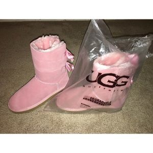 Pink Bailey Bow Uggs 🎀